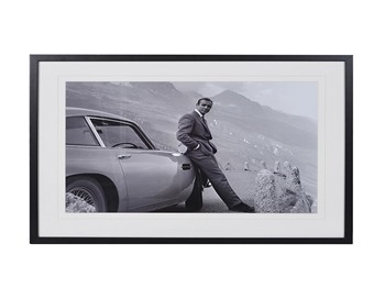 James Bond Frame